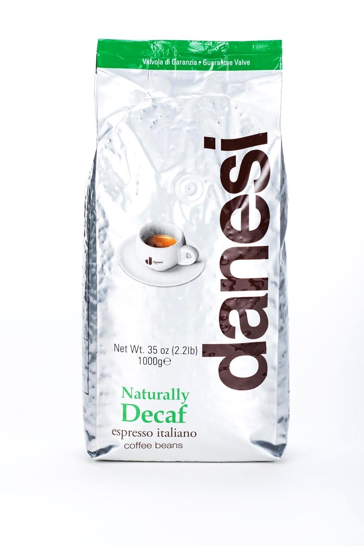 Онлайн каталог PROMENU: Кофе Decaf в зернах Danesi, 1 кг, вакуумный пакет, зеленый                                                  Danesi 1050165